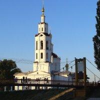 Храм, освещённый солнцем. :: Борис Митрохин
