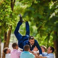 Кто сам хороший друг, тот имеет и хороших друзей :) :: Алексей Латыш