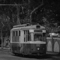 Старинный трамвай в Евпатории :: Дмитрий Коноплев
