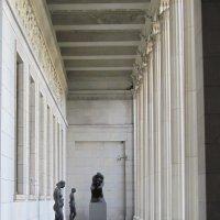 У входа в музей :: Маера Урусова