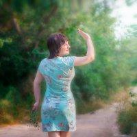 Лариса на погулке :: Ольга Егорова