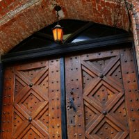 Эти потрясающие двери Кёнигсберга! :: Tatiana Golubinskaia