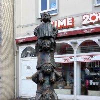Городская скульптура :: Nina Yudicheva