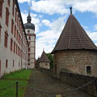 ...Крепость Мариенберг. Строительство крепости Мариенберг обычно датируют началом XIII в. :: Galina Dzubina