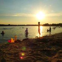 вечер на пляже 3 :: Александр Прокудин