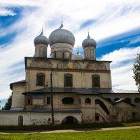 В. Новгород Церковь на ул Ильина :: Алексей Корнеев