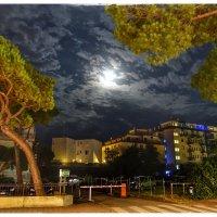 Ночь в Каорле, Италия :: Николай Милоградский