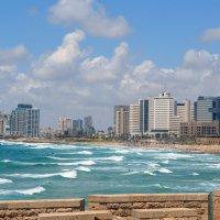 Город, пляж, море - Средиземное :: Яков Геллер