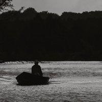По вечерней реке. :: Андрий Майковский