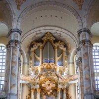 Интерьер церкви Богородицы (Frauenkirche) в Дрездене :: Вадим *
