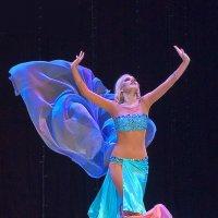 Восточный танец Хабиби :: Михаил Кондратенко