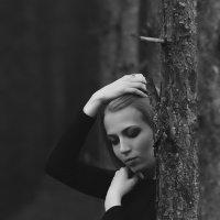 Девушка в лесу :: Пашка Соловьев
