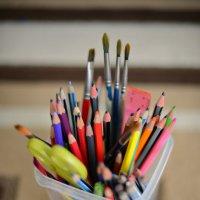 контейнер с карандашами и кисти :: Карина Заика