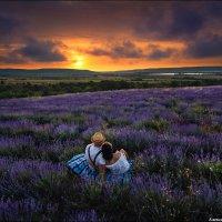 Любовь имеет особенный аромат, уникальный голос... И одно сердце на двоих :) :: Алексей Латыш