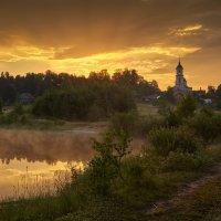 Утро золотого света... :: Roman Lunin