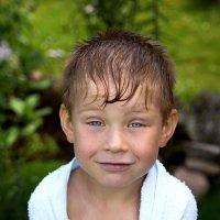 Замерзший синегубый мальчуган :) :: Наталия Галуза