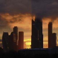 Тени в облаках :: Марина Лучанская