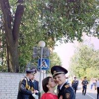 Супружество — это отношения между двумя людьми, один из которых всегда прав, а другой — муж! :: Екатерина Селедцова