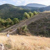 Мальчик у холмов :: Фазлиддин Инагамов