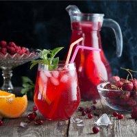 Прохладительный напиток из ягод, апельсина и мяты :: Ирина Лепнёва