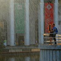 .. Романтика у фонтана .. :: Арина Дмитриева