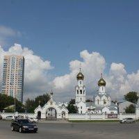 Церковь в монастыре. :: Наталья Золотых-Сибирская