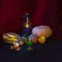 Тыквы, лампа, крымское вино :: Дубовцев Евгений
