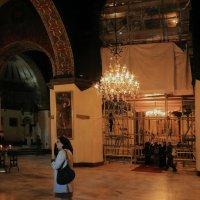 Зал в Главном храме Эчмиадзина :: Лидия кутузова