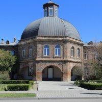 монастырские здания в Эчмиадзине :: Лидия кутузова