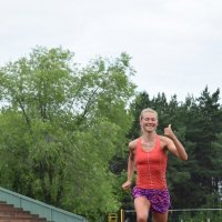 Она прошла,как каравелла по зелёным волнам! :: A. SMIRNOV