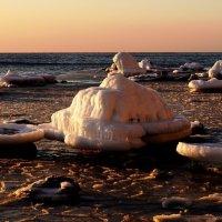 Камни во льду :: Василий Искалеев