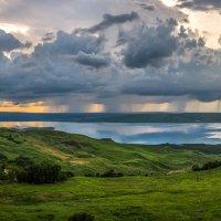 Грозовой фронт над озером. :: Фёдор. Лашков