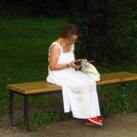 Женщина в белом :: Андрей Лукьянов