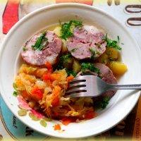 Свежая капустка, молодая картошка, домашняя колбаска..мммм))) :: Андрей Заломленков