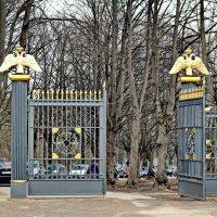 Ворота в Храм. :: Олег Попков