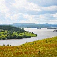 Горы, лес, пруд, часть города :: Полина Потапова