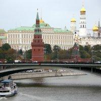 ритмы города-вид на Кремль :: Олег Лукьянов