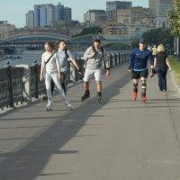 500-метровая  прогулка по набережной :: Олег Пучков