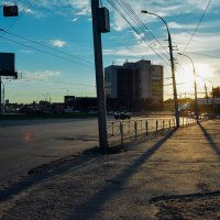 Заход солнца, за площадью труда :: Света Кондрашова