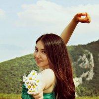 Девушка в зеленом платье :: Christin`e Aghababyan