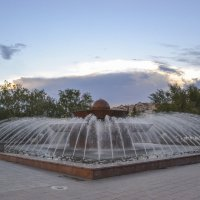 Фонтан рядом с Дворцом молодежи, г.Астана :: Anita Lee