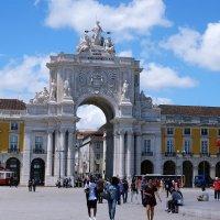 Триумфальная арка на Праса ду Комерсиу(Площадь Коммерции) :: Ольга Васильева