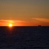 Туда, где садится солнце. :: Yuriy