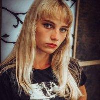 . :: Anastasia Silver