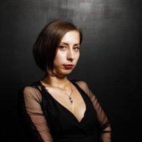 Девушка в черном :: Евгения Сихова