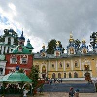 Псково Печёрский монастырь :: Руслан Горбачёв