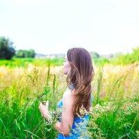 Дикие травы и девушка... :: Анна Ильницкая