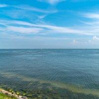 Северное море, залив между Волендамом и островом Маркен :: Witalij Loewin
