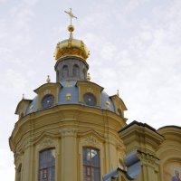 Отреставрированная главка Петропавловского собора :: Валерий Новиков