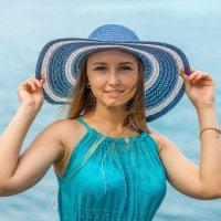 Девушка в шляпе :: Алексей Яковлев